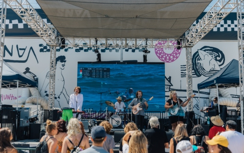 Music Stage: Shannon & The Clams